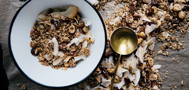 Bild på en skål med hemmagjord müsli.
